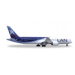 LAN Chile Boeing 787-9 CC-BGA With Stand Scale 1:200